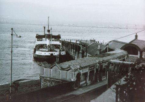 Ferry Abercraig at the Pier 1964