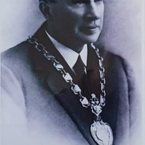 J Barry Robb 1925 - 1928