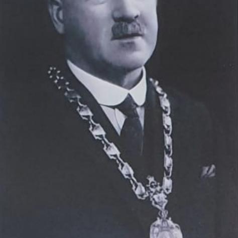 John T Young 1931 - 1934