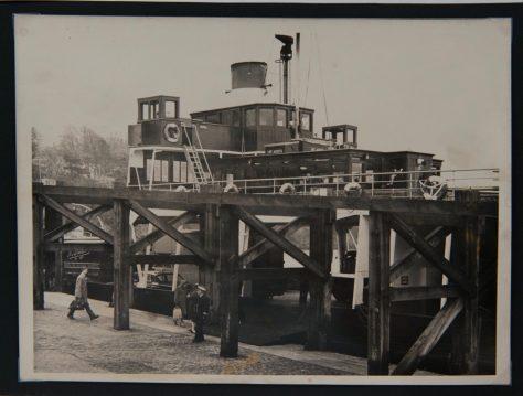 Abercraig Ferry at Newport Pier