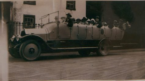 Collie's Charabanc, early 1900s