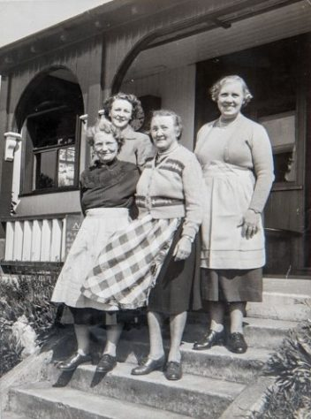Wormit Bowling Tea Ladies early 1950s