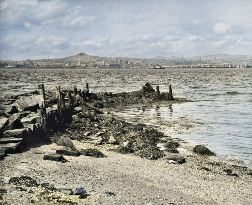The Old Pier at Granary Lane | Eileen Reekie