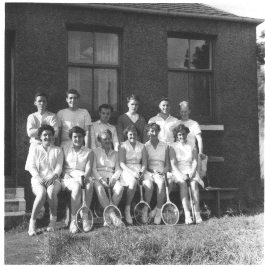 Players at Wormit Tennis Club 1950s   Grant Balfour